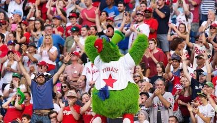 Philadelphia-Phillies-Fans.jpg