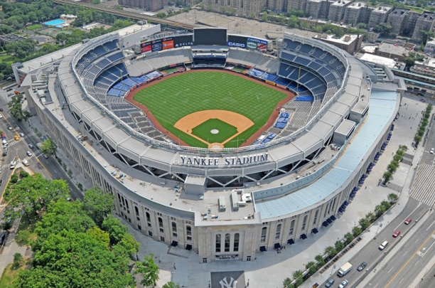 Le_Yankee_Stadium.jpg