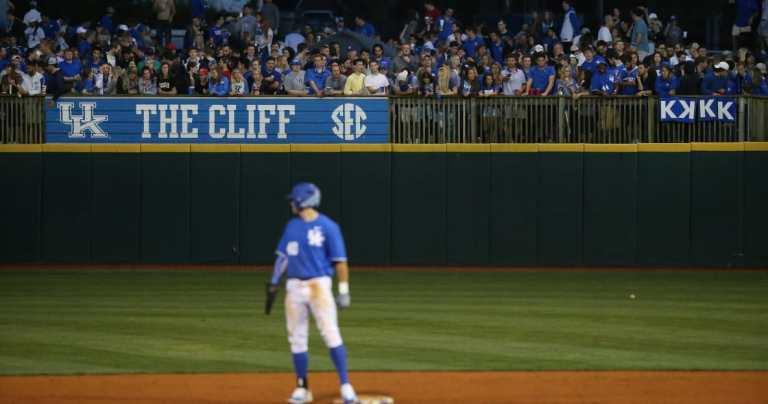 Kentucky-baseball-Cliff-Hagan-Stadium-by-Chet-WhiteUK-Athletic_jfr47v.jpg