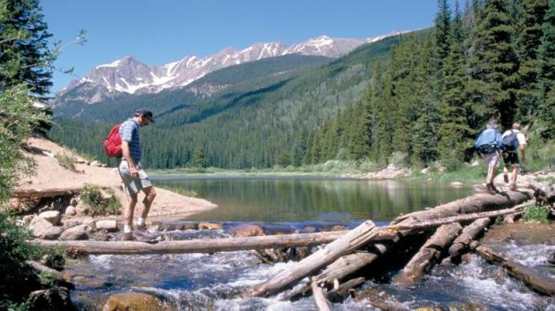 Hiking2_GoreRange_VD_RichGrant.jpg