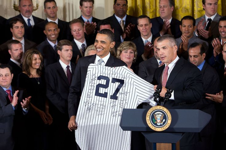1200px-2009_World_Series_Champions_and_Barack_Obama.jpg